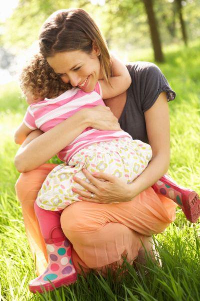 Η «μαγική» δύναμη της αγκαλιάς σας! | imommy.gr