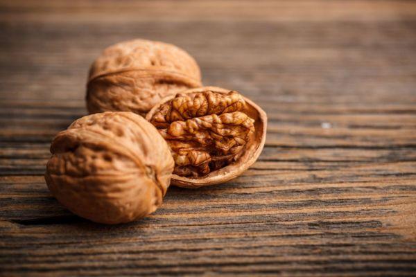 Γίνετε γόνιμοι τρώγοντας καρύδια | imommy.gr