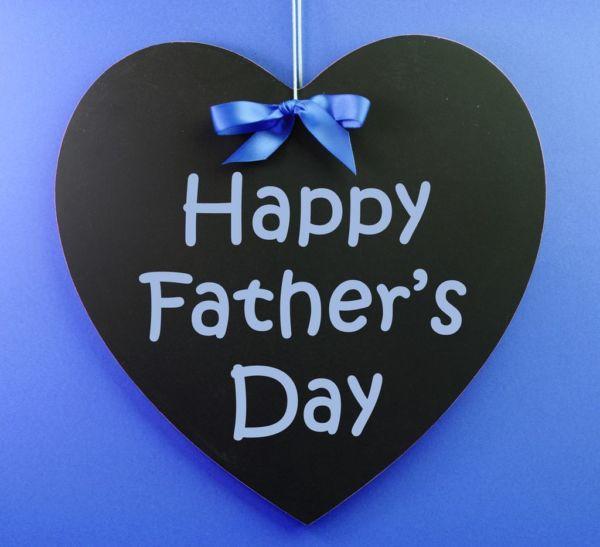 Μια αγκαλιά: το καλύτερο δώρο για  τη γιορτή του Πατέρα! | imommy.gr