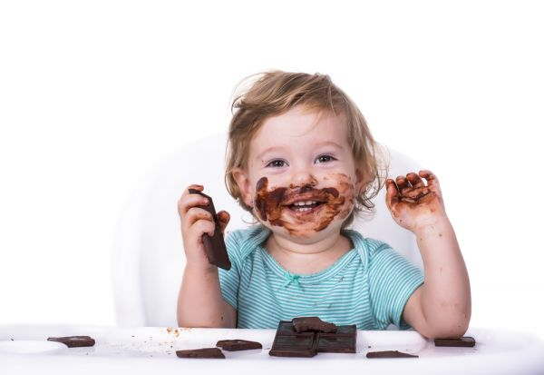 Η αντίδραση μωρού που δοκιμάζει σοκολάτα πρώτη φορά | imommy.gr
