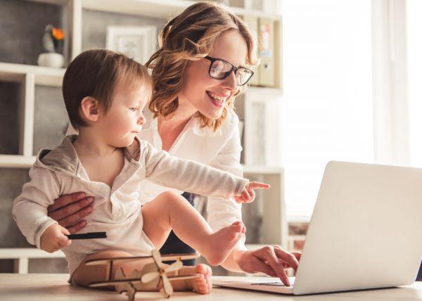 Πώς θα διευκολύνετε την επιστροφή στη δουλειά μετά τη γέννα | imommy.gr