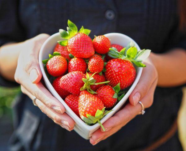 Οι τροφές που ευνοούν τη γονιμότητα | imommy.gr
