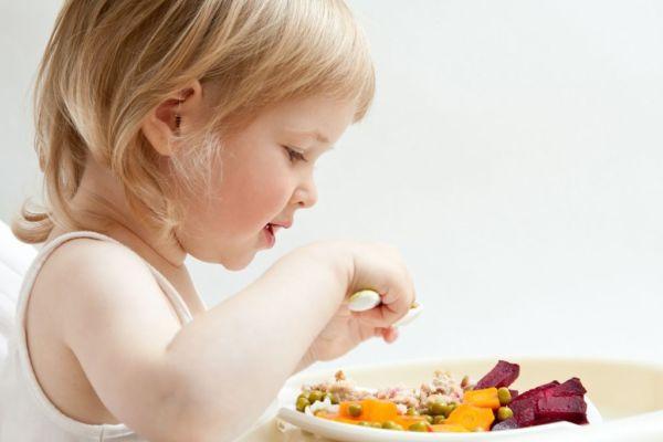 Πώς να πείσουμε το παιδί να τρώει υγιεινά! | imommy.gr