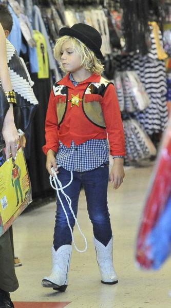 Χόλιγουντ: Τι ντύνονται τις Απόκριες τα παιδιά των σταρ; | imommy.gr