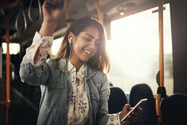 Αποκτήστε αίσθηση καθαριότητας όπου κι αν είστε με τα υγρά μαντηλάκια Zewa fresh and go! | imommy.gr