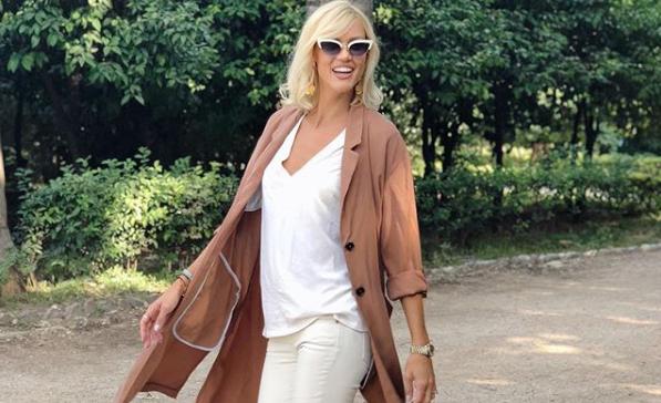 Βάσω Κολλιδά: Βόλτα στην Αθήνα με τα δύο παιδιά της | imommy.gr