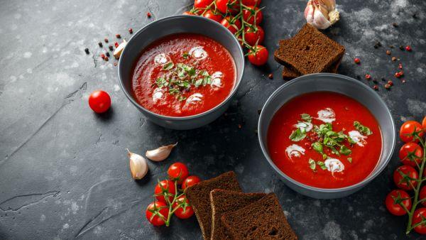 Ντοματόσουπα με βασιλικό | imommy.gr