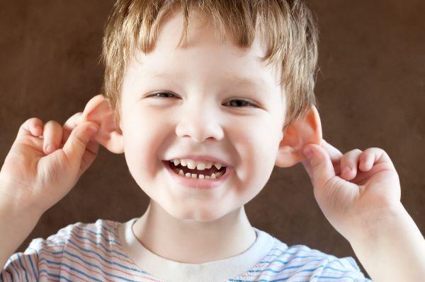 Έτσι θα ενθαρρύνετε το χιούμορ του παιδιού | imommy.gr