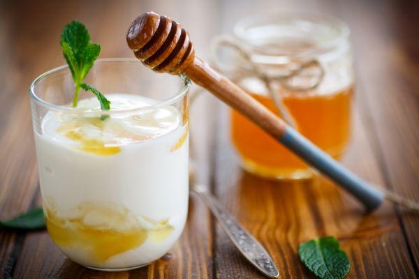 Μους γιαουρτιού με λεμόνι και μέλι | imommy.gr