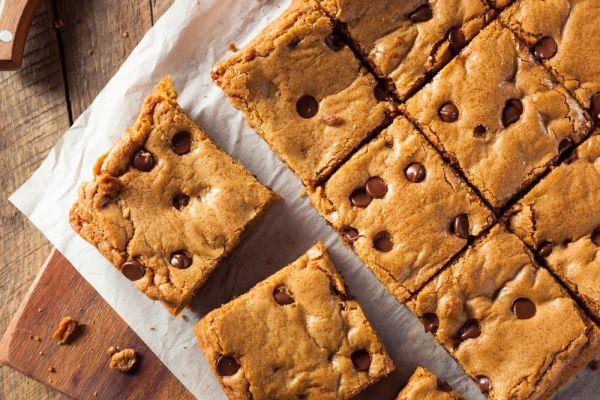 Φτιάξτε γλυκά blondies | imommy.gr