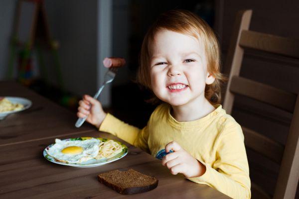 Τι να κάνω αν το παιδί μου σιχαίνεται το αυγό; | imommy.gr