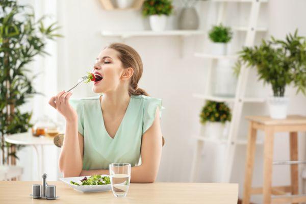 Οι συνήθειες που σας εμποδίζουν να αδυνατίσετε | imommy.gr