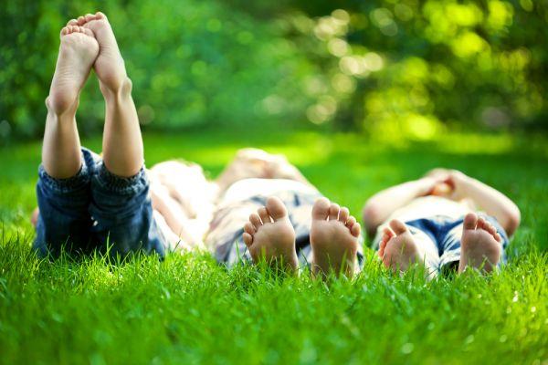 Μήπως μυρίζουν τα πόδια του παιδιού σας; | imommy.gr
