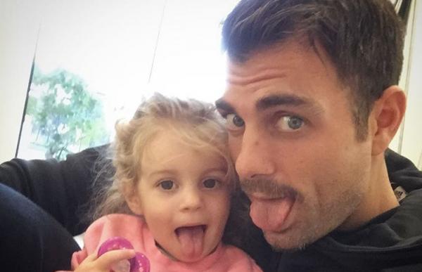 Στέλιος Χανταμπάκης: Η γλυκιά φωτογραφία με την κόρη του, Μαλένα | imommy.gr