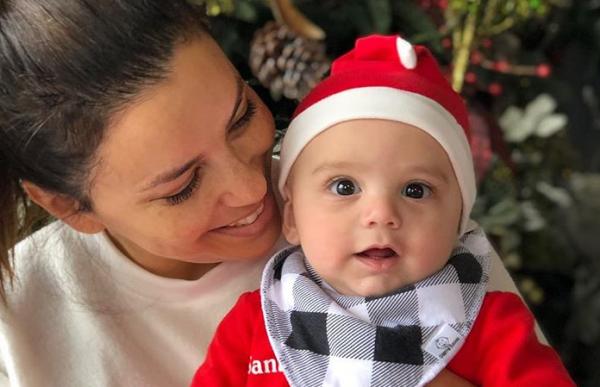 Εύα Λονγκόρια: Δείτε το σώμα της με μαγιό έξι μήνες μετά τη γέννηση του γιου της | imommy.gr