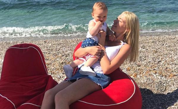Μικαέλα Φωτιάδη: Δημοσίευσε την πιο τρυφερή φωτογραφία με τον γιο της | imommy.gr