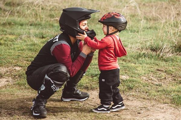 Pink: Ο δύο ετών γιος της αγαπάει ήδη τις μηχανές | imommy.gr