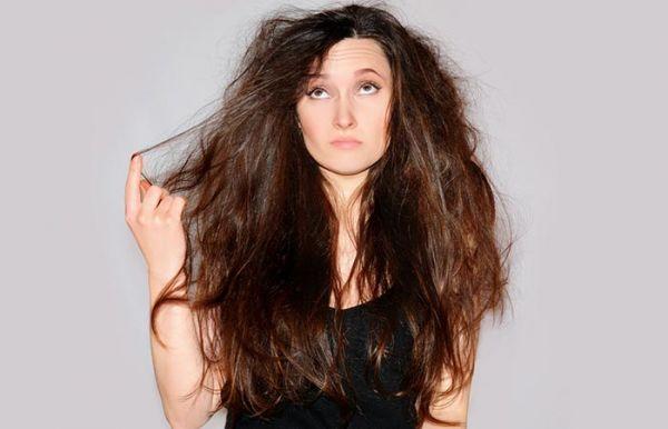 Πώς θα φτιάξετε τη μάσκα που θα σώσει τα ταλαιπωρημένα μαλλιά σας | imommy.gr