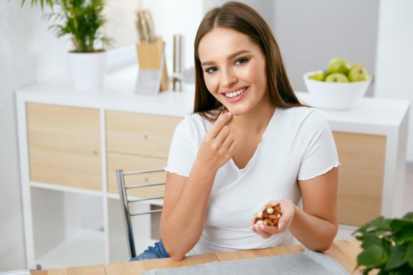 Δέκα τροφές που μας κάνουν χαρούμενες | imommy.gr