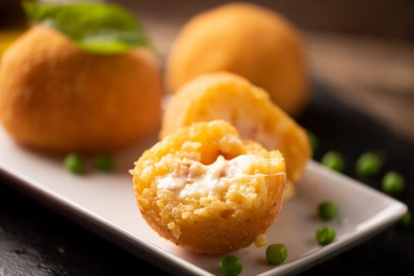 Ρυζοκροκέτες με γέμιση τυριών και ζαμπόν | imommy.gr