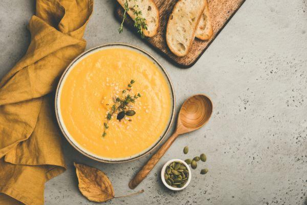 Φτιάξτε κρεμώδη πατατόσουπα με τυρί | imommy.gr