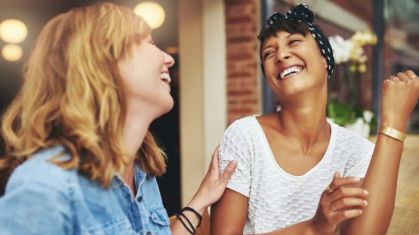 Με ποια ζώδια θα ξεκαρδιστείς στα γέλια; | imommy.gr