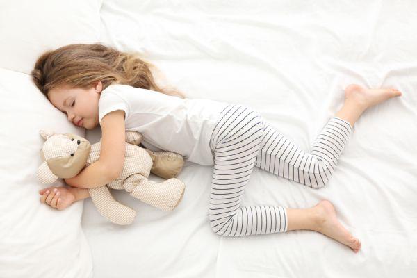 Πώς θα περιορίσετε τη νυχτερινή ενούρηση του παιδιού | imommy.gr