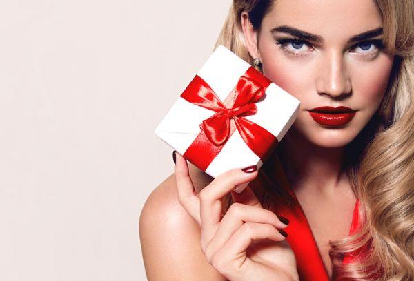 Πώς θα κάνετε το απόλυτο μακιγιάζ για τα Χριστούγεννα | imommy.gr