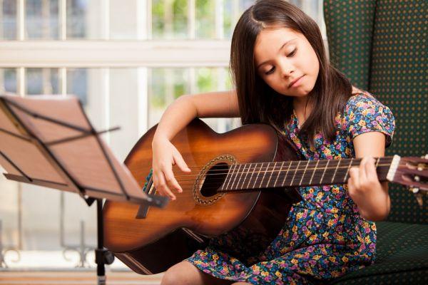 Τα 6 οφέλη των μαθημάτων μουσικής | imommy.gr