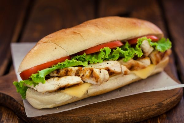 Σάντουιτς με στήθος κοτόπουλου | imommy.gr
