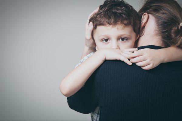 Πώς θα βοηθήσετε το παιδί να διαχειριστεί το θάνατο | imommy.gr