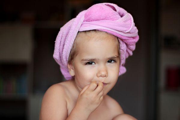 Τι να κάνετε εάν το παιδί τρώει τα νύχια του | imommy.gr
