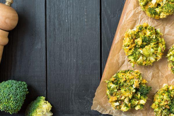 Σπιτικά muffins με μπρόκολο | imommy.gr