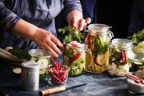 Πώς θα φτιάξετε λαχανικά τουρσί | imommy.gr