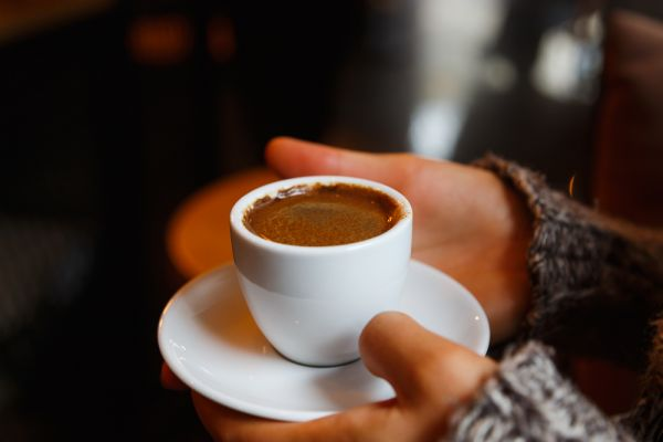 Πέντε λόγοι για να προτιμήσετε τον ελληνικό καφέ | imommy.gr