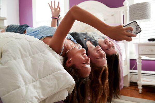 Τα 7 θέματα που απασχολούν σήμερα ένα έφηβο κορίτσι | imommy.gr
