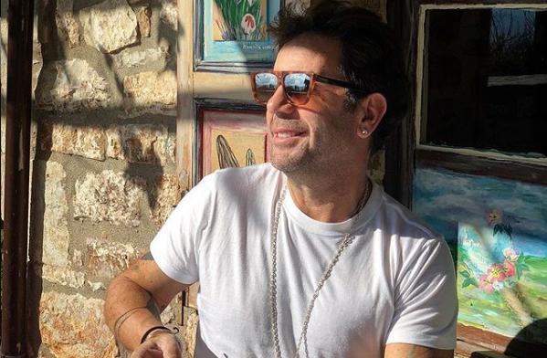 Ο Γιώργος Μαζωνάκης ποζάρει με τη βαφτισιμιά του | imommy.gr