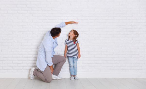 Πώς θα ενισχύσετε την αυτοπεποίθηση του κοντού παιδιού | imommy.gr