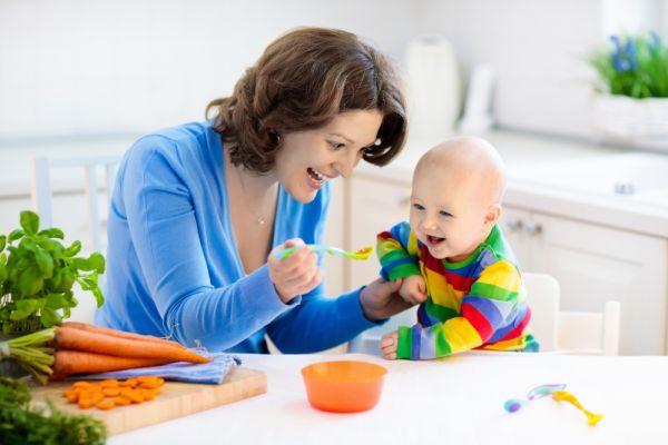 Πότε είναι έτοιμο το παιδί για στερεές τροφές; | imommy.gr