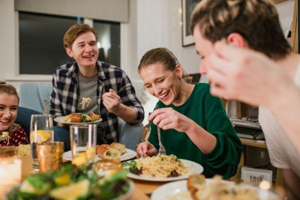 Πέντε λάθη που κάνετε στο βραδινό σας γεύμα | imommy.gr