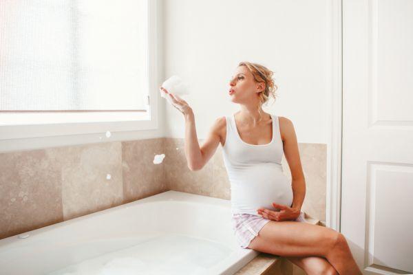 Είναι ασφαλές να κάνω πολύ ζεστό μπάνιο στην εγκυμοσύνη; | imommy.gr
