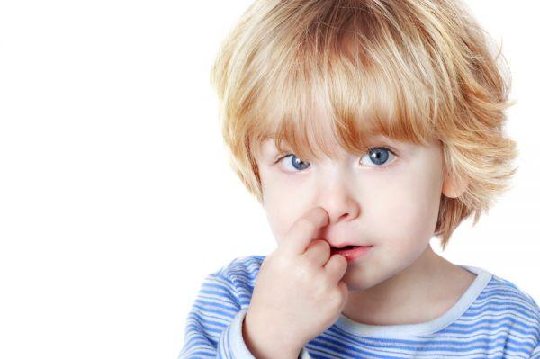 Πώς θα χειριστείτε το σκάλισμα της μύτης του παιδιού | imommy.gr