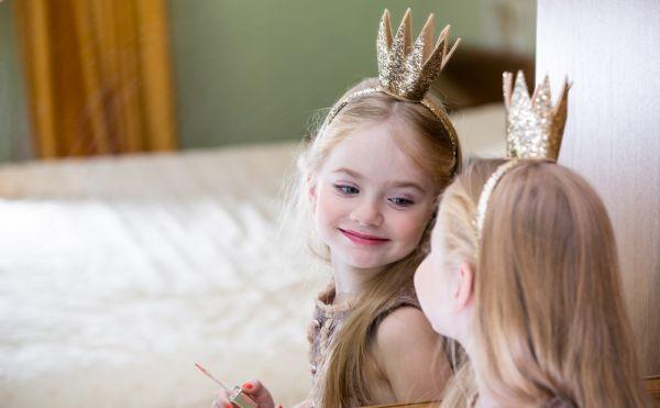5 τρόποι να αποτρέψουμε τα προβλήματα αυτοεικόνας του παιδιού | imommy.gr