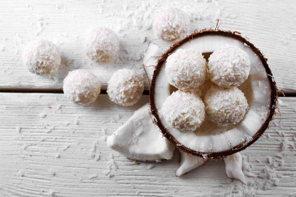 Τρουφάκια καρύδας | imommy.gr