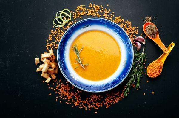 Κόκκινες φακές σε σούπα | imommy.gr