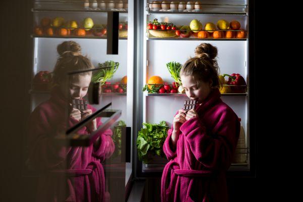 Οι υγιεινές τροφές που μας κρατούν ξύπνιους τη νύχτα | imommy.gr