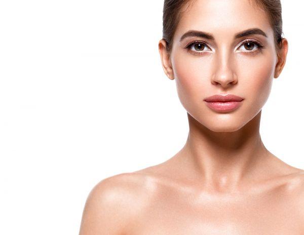 Πρέπει να εφαρμόζουμε ενυδατική κρέμα στο λιπαρό δέρμα; | imommy.gr