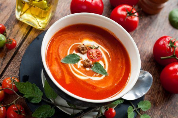 Κρεμώδης ντοματόσουπα   imommy.gr