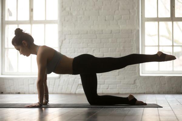 Pilates: Ασκήσεις για το κάτω μέρος του σώματος | imommy.gr