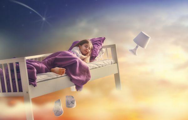Είναι επικίνδυνο να ξυπνάς ένα παιδί που υπνοβατεί; | imommy.gr
